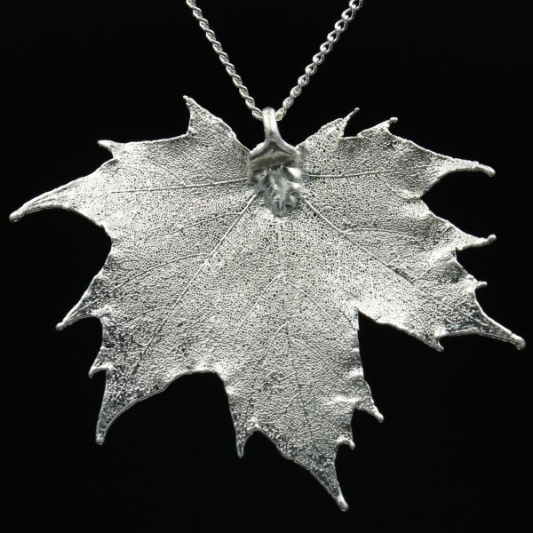 Kanadischer Ahorn Anhänger versilbert   Emporium-Ornamentum