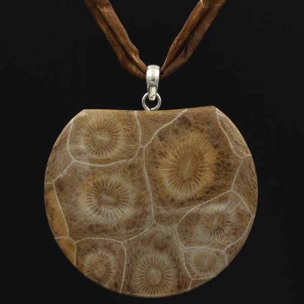 Fossile Koralle Hexagonaria Anhänger - Vorderseite